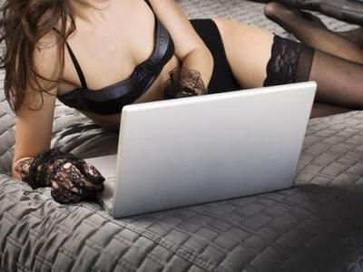 Danna sex al computer