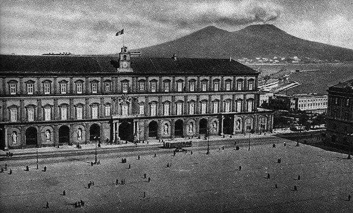 Napoli - Palazzo Reale, 1900