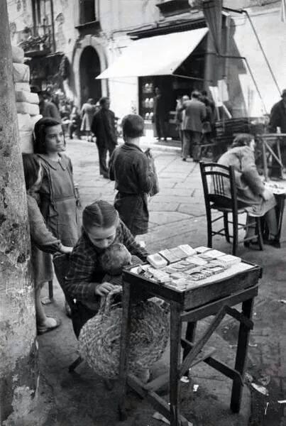 Napoli Scene di strada di qualche anno fa