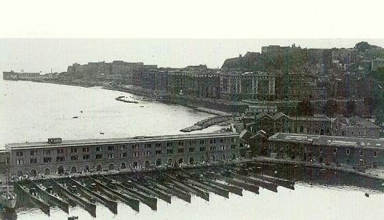 Napoli Scorcio del molo San Vincenzo e Lungomare di Via Nazario Sauro