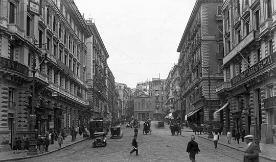 Napoli, Via Guglielmo Sanfelice con il fu Rione Carità, 1932