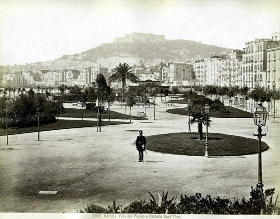 Villa del Popolo, dove sorge l'attuale porto di Napoli, al termine di Corso Garibaldi, fine '800