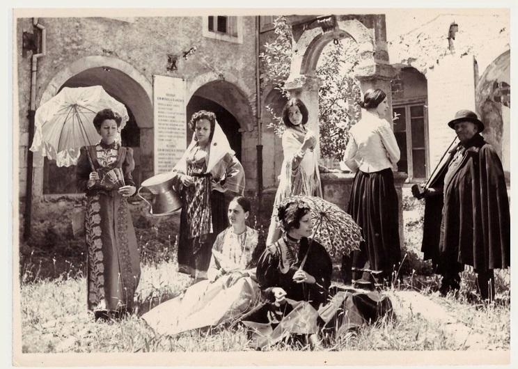 Mostra di costumi d'epoca, giugno 1971 chiostro di palazzo S. Francesco. Agnone - IS