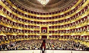 """Un grande riconoscimento per il Teatro di San Carlo: """"Il più bel teatro del mondo"""""""