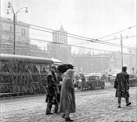 Napoli, Piazza Dante, 1956