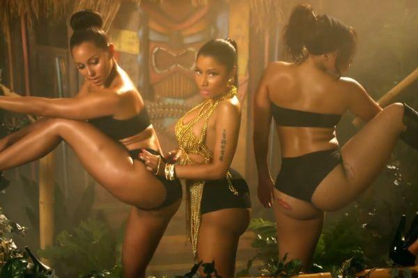 Nicki Minaj: sedere nudo a Dublino