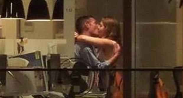 I due colleghi beccati a fare sesso in ufficio sono stati licenziati