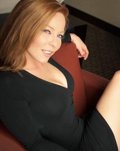 Una bella donna può fare qualunque cosa; una donna brutta deve fare tutto