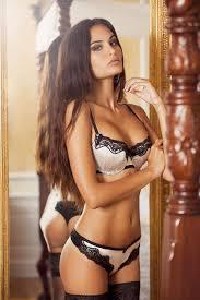 Le donne belle perdono tutto con la perdita della bellezza