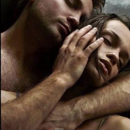 La differenza tra l'amore e il sesso è che il sesso allevia le tensioni e l'amore le provoca