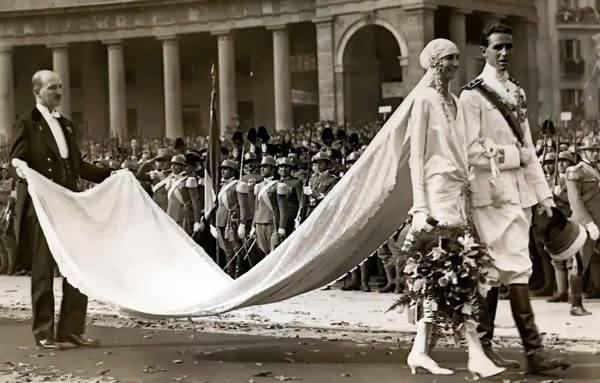 Napoli ieri: 5 novembre 1927, matrimonio diAmedeo di Savoia Aosta e Anna di Francia