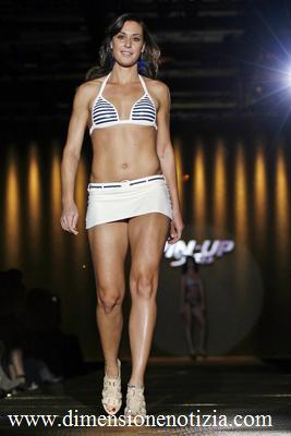 Moda: La tennista Flavia Pennetta sfila per Pin Up Stars durante il 'Milano Moda Donna' -