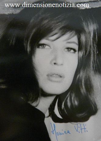 Cartoline da Cinecittà: collezione di stelle - Monica Vitti -