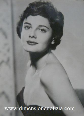 Cartoline da Cinecittà: collezione di stelle - Rossana Podestà -