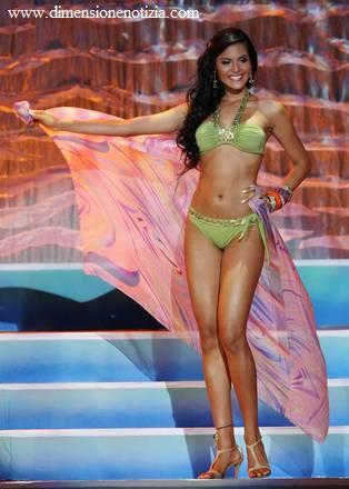 E' la più bella del mondo: 'Miss Earth 2009' è Larissa Ramos