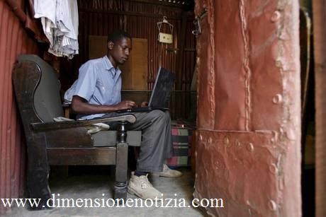 George Hussein Onyango Obama, il fratellastro del presidente Usa che vive in Kenya -