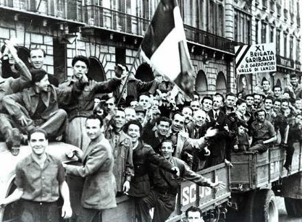 25 aprile 1945, le immagini simbolo della Liberazione