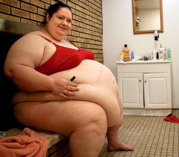 La magrezza è più nuda, più indecente della grassezza