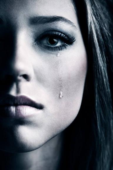 La tristezza è causata dall'intelligenza. Più comprendi certe cose, e più vorresti non comprenderle
