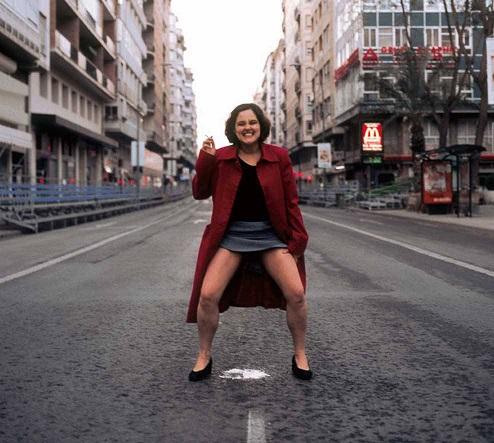 """LA SINDACA DI BARCELLONA E' VENUTA IN ITALIA : ESIGE LA LIBERAZIONE DELLA """"OPEN ARMS"""""""