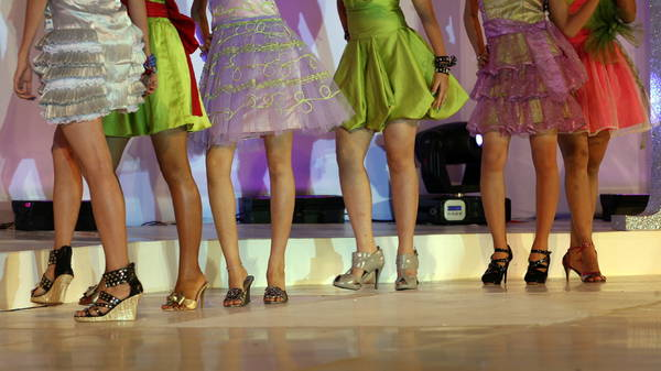 Myanmar, indossatrici di scarpe 2010 -