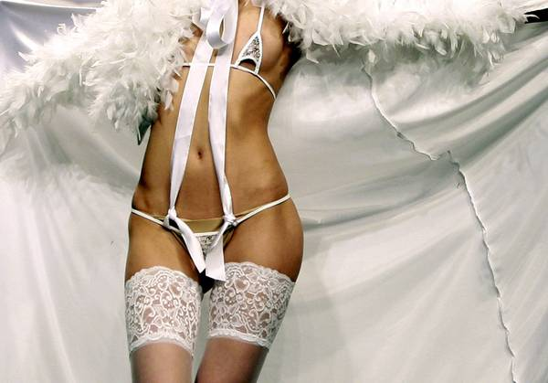 ''Wedding Folies'' a Beirut: e' lingerie da urlo, in Libano -