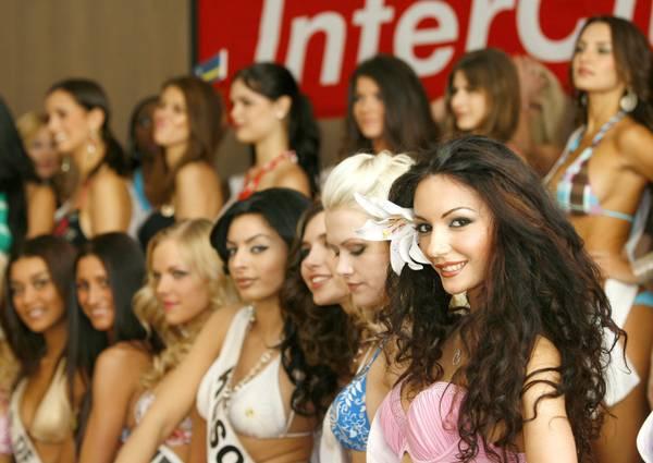 A Essen: e' il concorso di bellezza 'Top model of the world' -