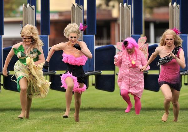 Sydney, la corsa delle Drag Queen -