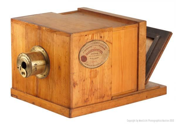 Pagata 732.000 euro macchina fotografica più antica al mondo -
