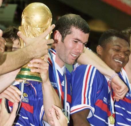 Francia 1998, i 'Blues' di Aime Jacquet conquistano la loro prima coppa del Mondo -