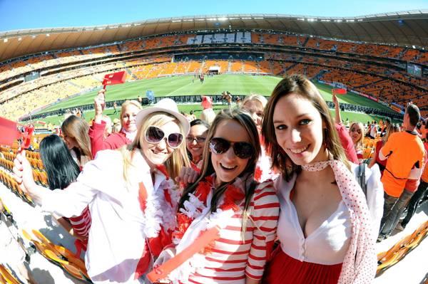 Mondiali, Olanda-Danimarca: sugli spalti tante belle fan -