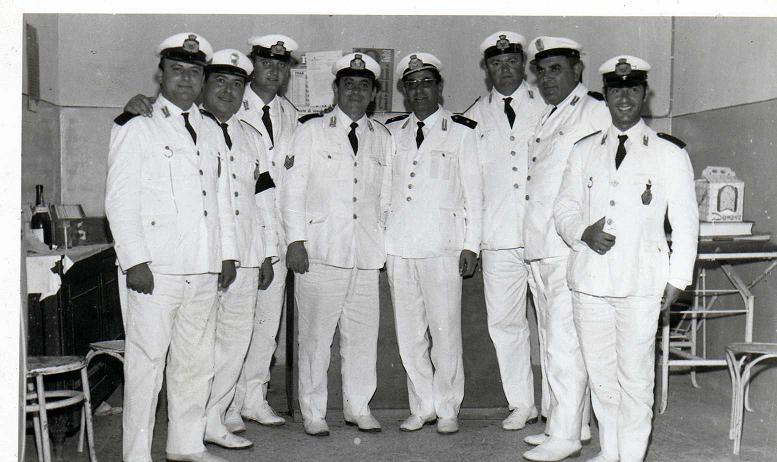 Vincenzo Piccolo Comandante dei vigili urbani di Volla (NA) il secondo da destra  1968 -