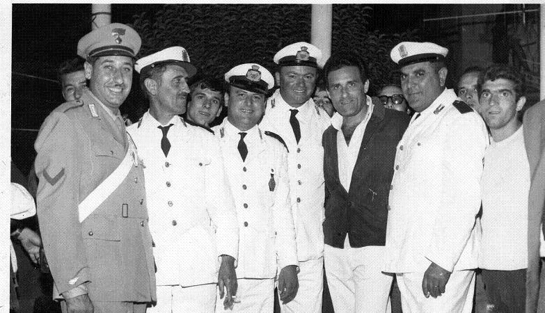 Vincenzo Piccolo Comandante dei vigili urbani di Volla (NA) il primo  a destra  1968 -