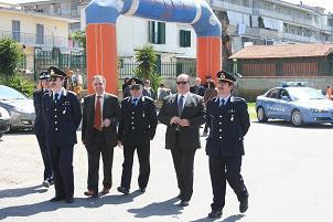 Il comandante dei vigili e il sindaco di Volla (NA) dott. S. Ricci con alcuni vigili -