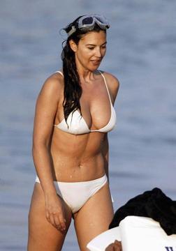 Monica Bellucci al mare