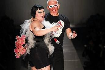 Moda,  News Le settimane della moda Tutte le news Parigi, da Gaultier sfila Beth Ditto, obesa felice