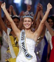La vincitrice di Miss Mondo, Alexandria Mills (Miss America) -