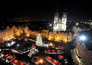 Praga - Natale si avvicina, bancarelle e luminarie in centro