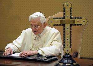Vaticano, il Papa registra il messaggio natalizio per la BBC -