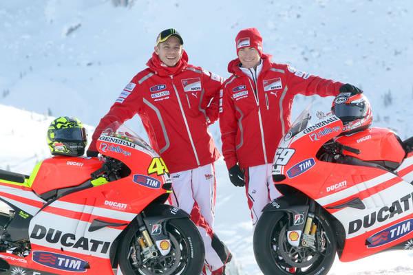 I piloti della Ducati, Valentino Rossi (s) e Nicky Hayden (d) -