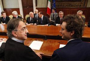 L'amministratore delegato FIAT Sergio Marchionne (S) ed il presidente del Lingotto John Elkann -