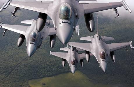 Quattro Caccia F16 - Gheddafi: 'Siamo pronti a una guerra lunga' -