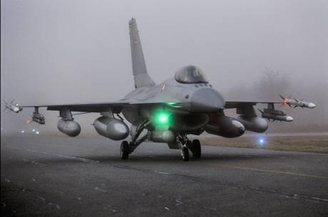 Gli aerei in azione F-16 -