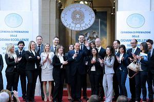 'Eccellenza giovani' premia Berlusconi -