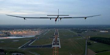 Aereo a energia solare decolla in Svizzera, atterra in Belgio -