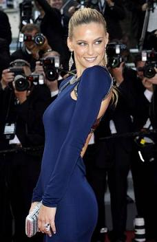 Cannes, e' la sera di 'The Beaver', la modella Bar Rafaeli -