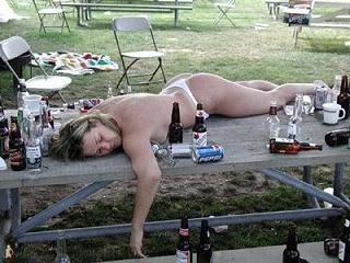 L'alcol restringe il cervello, più ne bevi più si riduce il suo volume