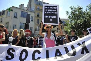 Parigi: In corteo le lavoratrici del sesso -