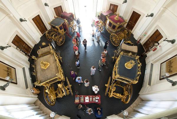 Quirinale, aperta al pubblico l'esposizione delle carrozze -