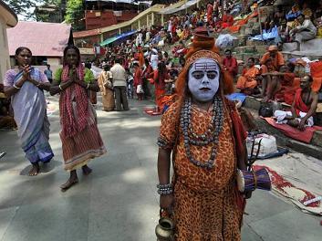 India: rituale in onore di Shiva al festival di Ambubachi -